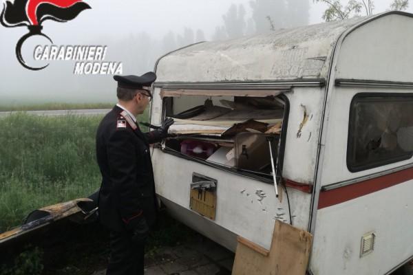 Mirandola, controlli dei Carabinieri in due campi nomadi: tre persone denunciate