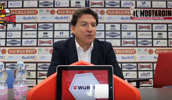 Post-partita di Pompea Mantova - Hertz Cagliari con coach Finelli, Veideman e Ferrara
