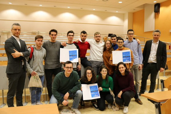 Mantova, alla finale dell'Hackathon SCIoTeM premiate le idee innovative dei giovani per la città del futuro